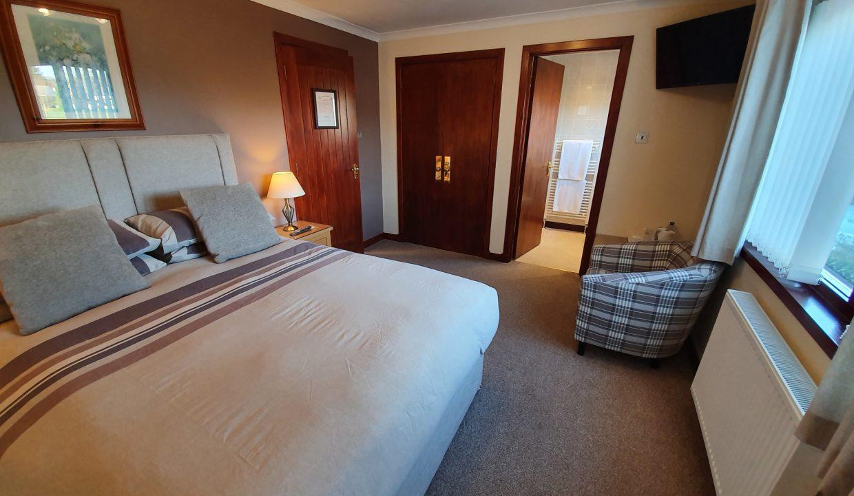 Room 4 02